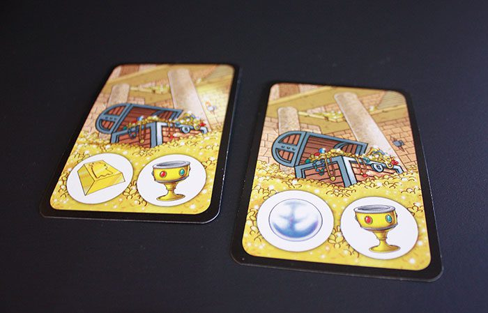 Cards have either a chicken, or multiple treasures