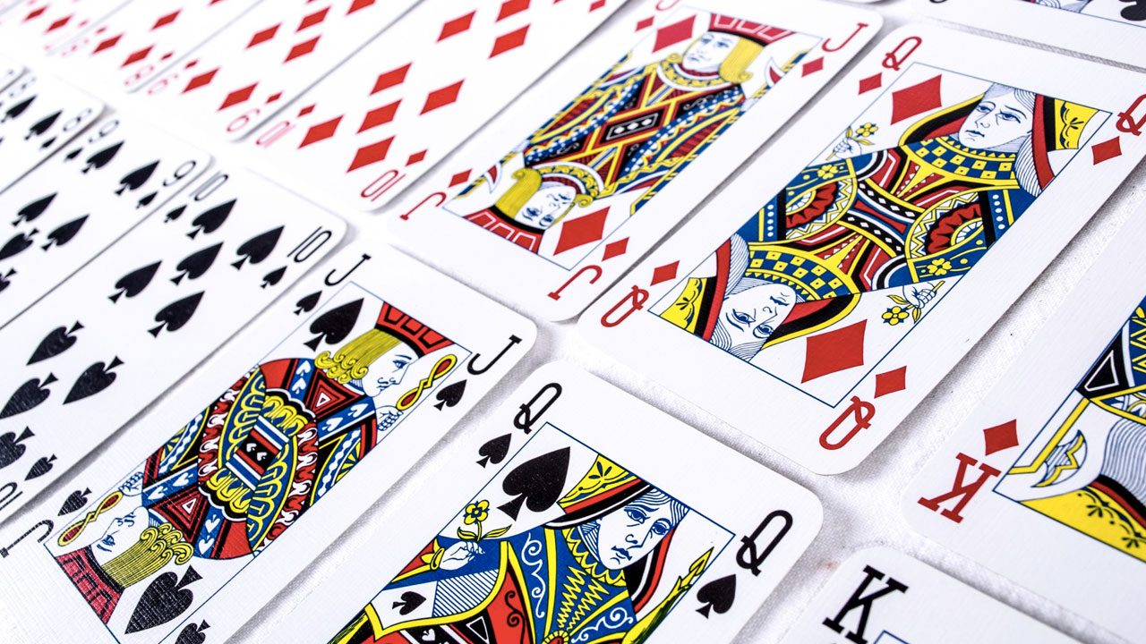 How playing cards are made header image